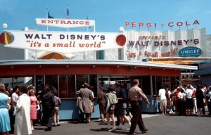 Het Pepsi Pavillon met 'It's a Small World' op de Wereldtentoonstelling in New York in 1964.