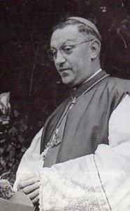 Bisschop Emiel Jozef De Smedt in 1960.
