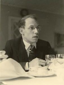 Foucault tijdens een etentje in Uppsala - met een opmerkelijke haardos.