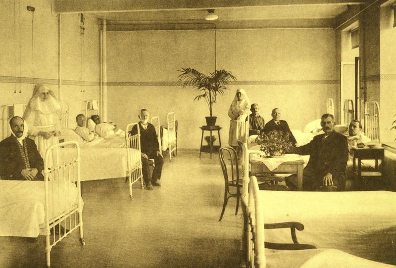 Poseren in de ziekenzaal van Sint-Raphaël, ca. 1930.
