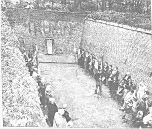 Officiële herdenking van de executie van Trulin, datum onbekend.